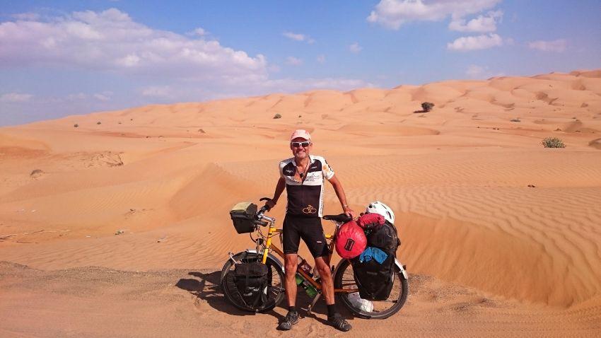 063 - Uwe N. Philipp mit 60 alles aufgelöst Weltreise mit dem Fahrrad up-Oman